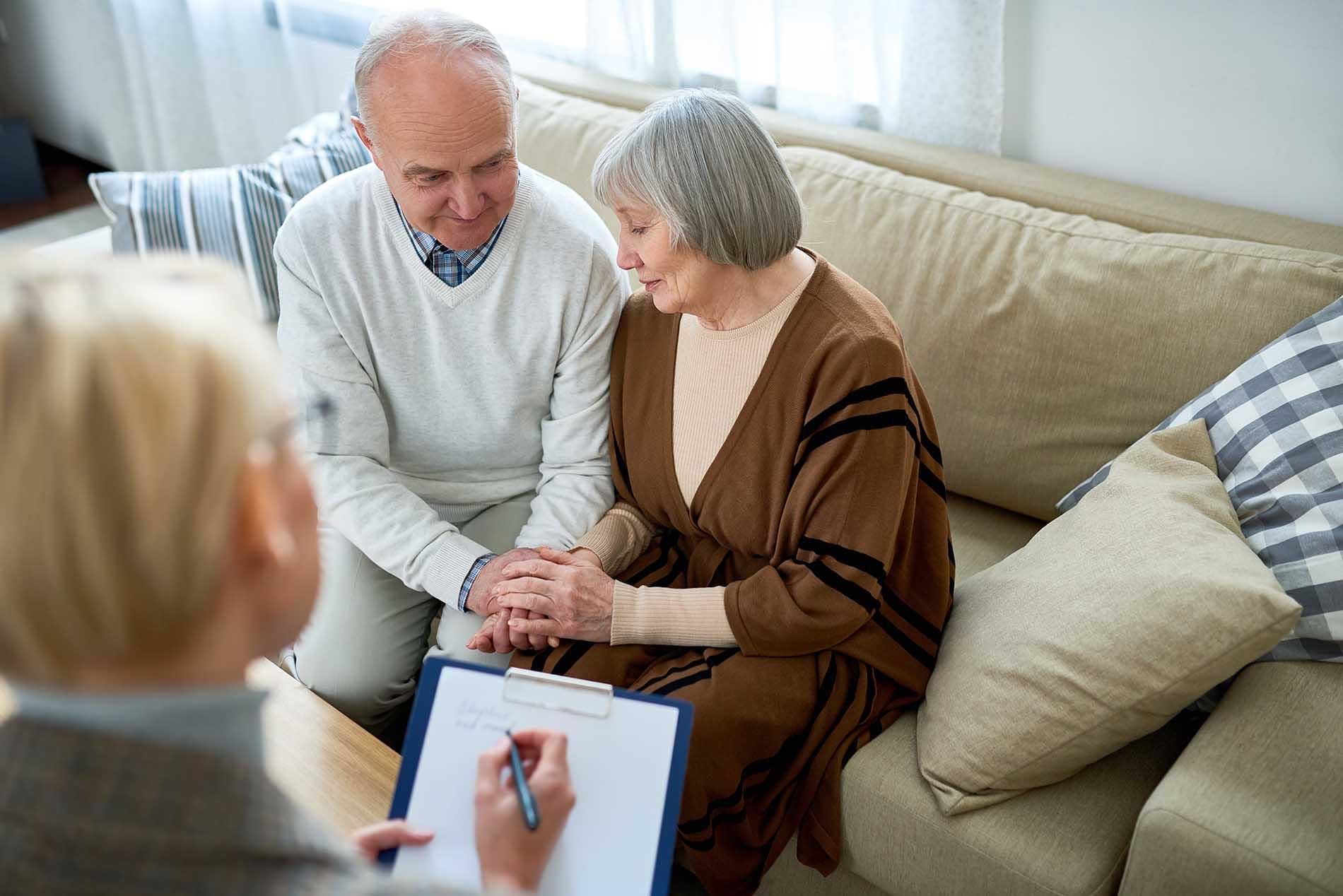 senior-couple-in-therapy-MAEK297.jpg